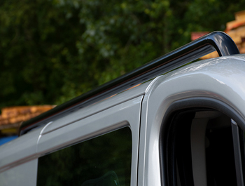 Black Powder Coated Roof Bars - Trafic NV300 Vivaro Talento