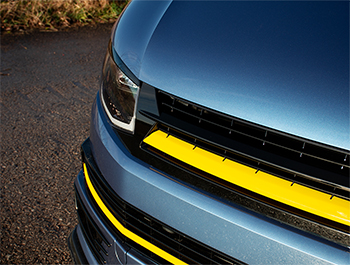 Gloss Black With Yellow Band ABS Badgeless Grille - VW T6 15>19
