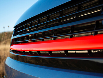 Gloss Black With Red Band ABS Badgeless Grille - VW T6 15>19