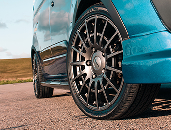 "Calibre T-Sport 18"" Gun Metal Alloy Wheels - Ford Custom 12>"