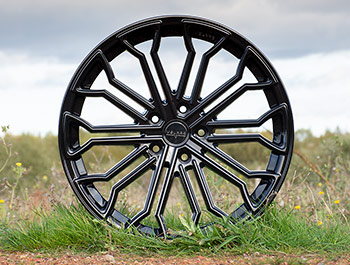 "Velare VLR04 20"" Diamond Black Load Rated Alloy Wheels - T5 T6"