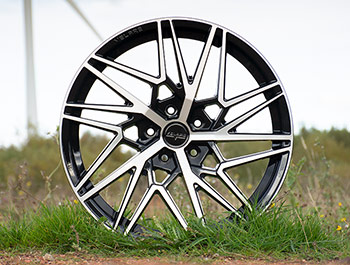 "Velare VLR06 20"" Black Polished Load Rated Alloy Wheels - T5 T6"