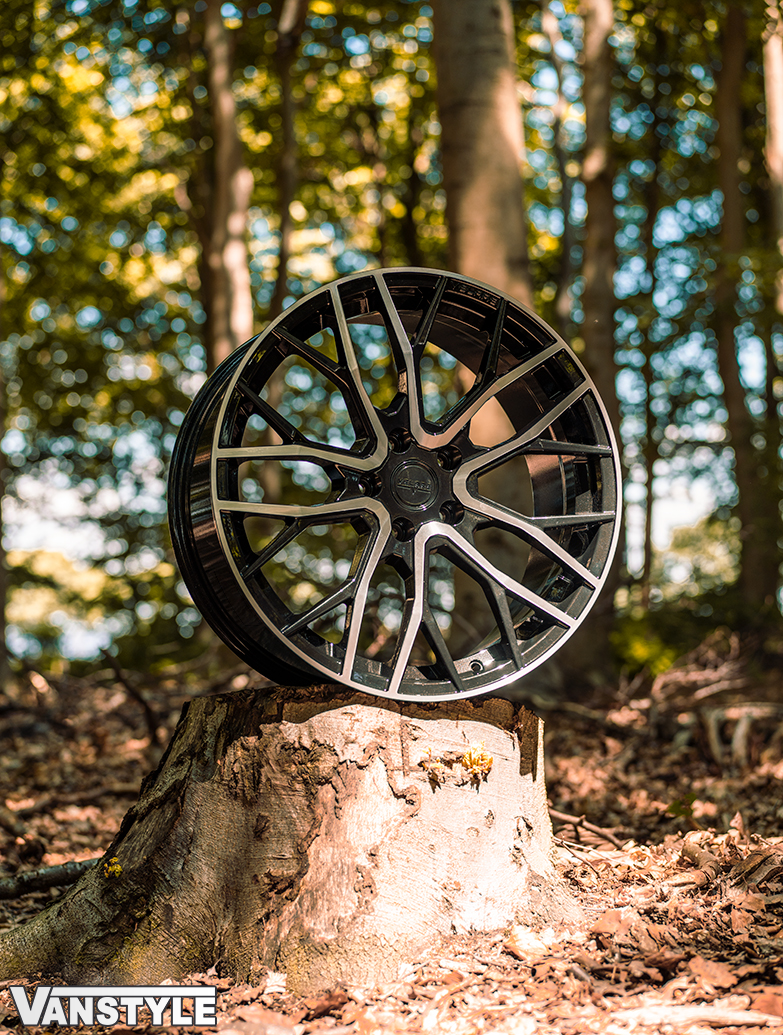"Velare VLR08 20\"" Gloss Black & Polished Wheel & Tyres - T5 T6"