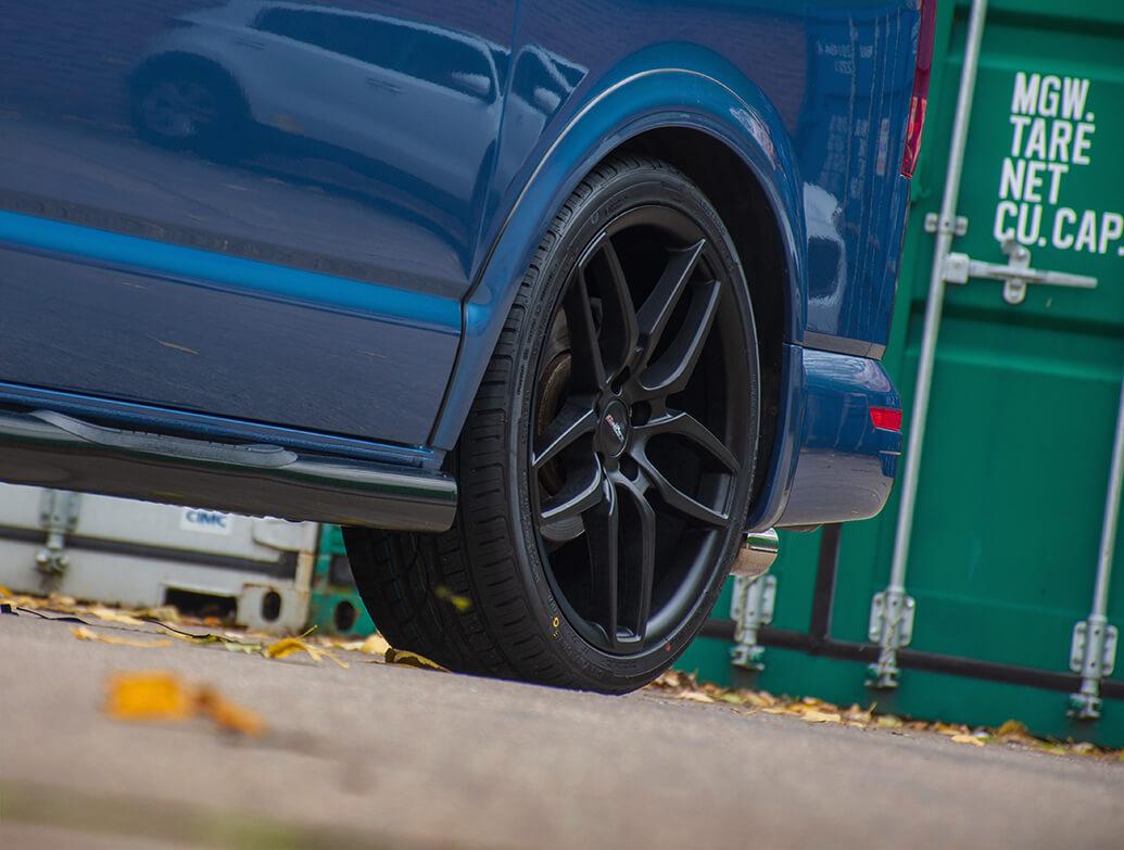 Calibre CC-U 20in 9J Matte Black - VW T5 T6 Wheel & Tyre Set