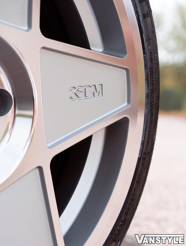 "3SDM 0.05 Silver Cut - 19\"" Alloy Wheel & Tyre Set - VW Caddy 04>"