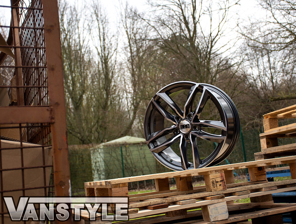 DRC DAA 18in 8J Black/Polished - VW T5/T6 Alloy Wheel & Tyre