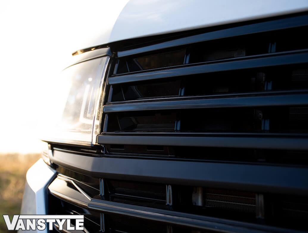 Front Radiator Grille 2pcs Lower Trims - Matt Black - VW T6.1