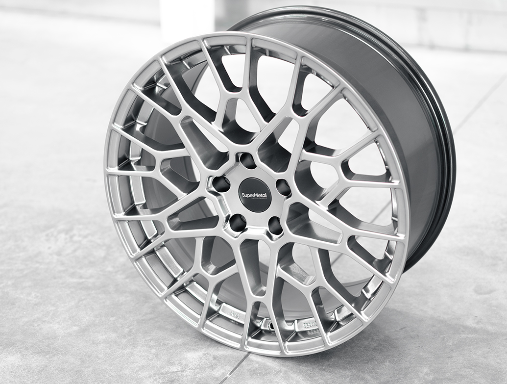 SuperMetal Cell 20x9J 5x120 Hyper Silver Wheel & Tyres - T5 T6