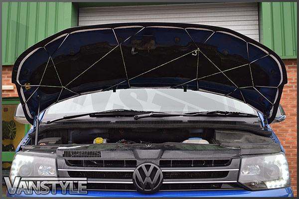 VW T5 2010-15 - Full Bonnet Bra - Plain Black